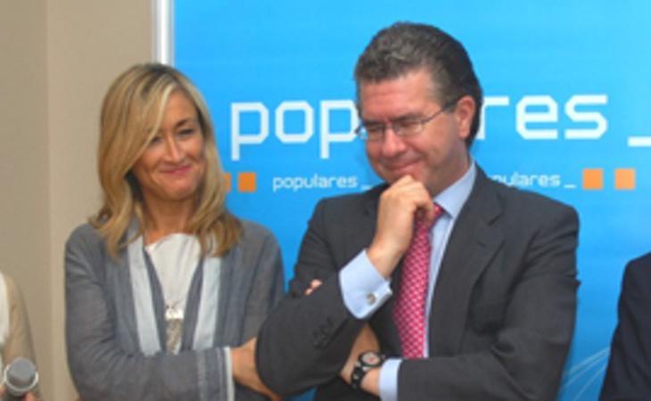 Granados, junto a Cristina Cifuentes, en un acto del PP de Boadilla