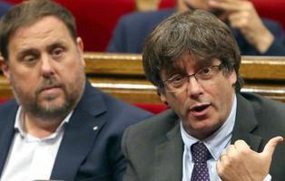 Puigdemont se prepara para rebelarse y no acatar el 155: podría pasar 30 años en prisión