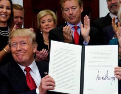 Trump reduce a mínimos la Sanidad para los más pobres y baja impuestos a los más ricos