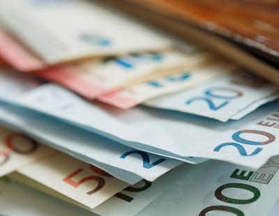 Un joven en paro devuelve una mochila con 5.230 euros perdida en la calle