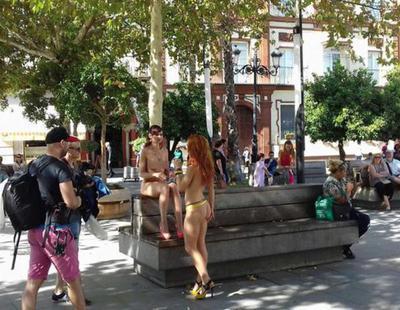 Ruedan una película porno en la calle a plena luz del día y rodeados de gente en Sevilla