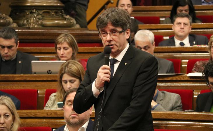 Puigdemont podría levantar la suspensión de la declaración de independencia para votarla en el Parlament