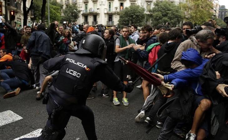 TVE tardó en emitir las imágenes de las cargas policiales