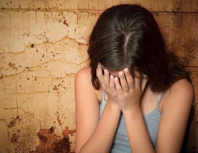 Juicio a un padre por violar a su hija durante veinte años y tener ocho hijos con ella