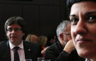 Junts Pel Sí y la CUP registran la DUI en el Parlament para proclamar la República