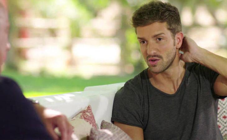 Si se da por hecho que Pablo Alborán es heterosexual, nadie reivindica que su sexualidad sea íntima