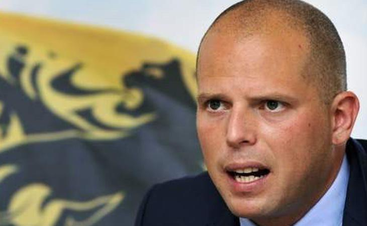 Theo Francken ofreció asilo político a Carles Puigdemont