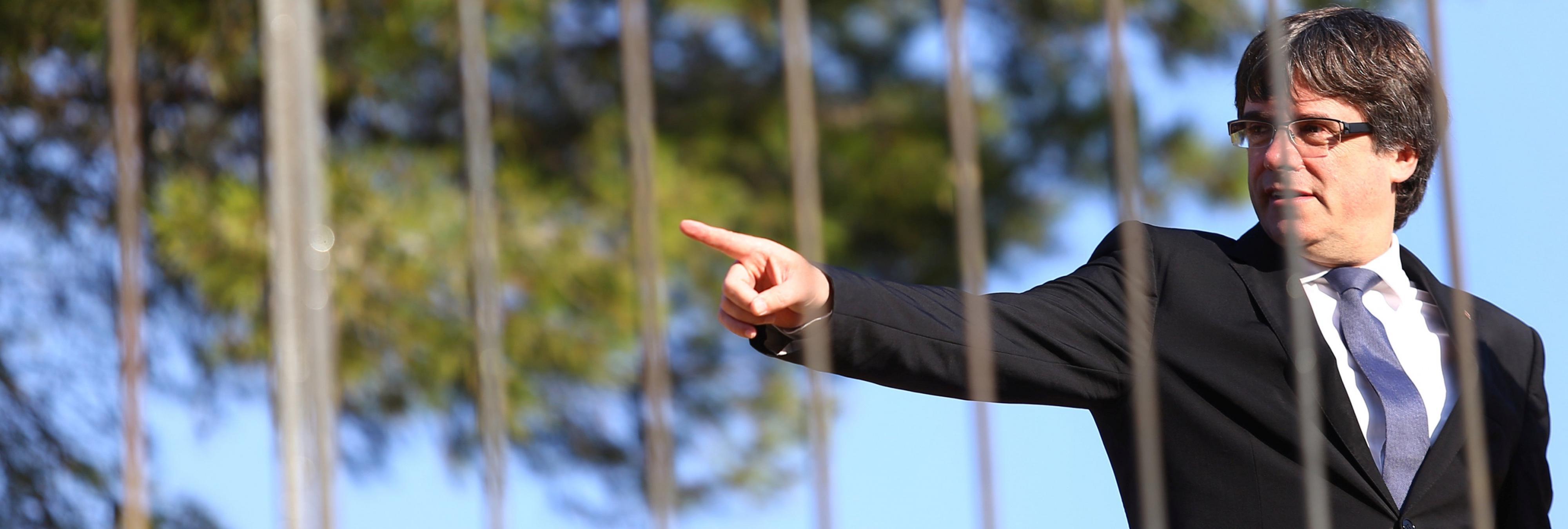Así fue la fuga de Puigdemont de madrugada hacia el 'exilio' en Bruselas