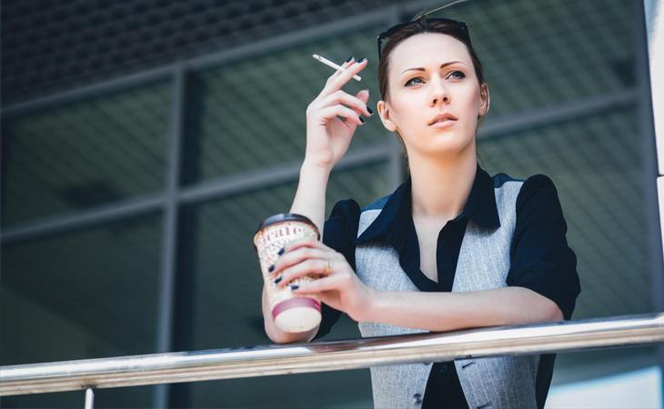 Los descansos para ir a fumar suelen alargarse más de a cuenta
