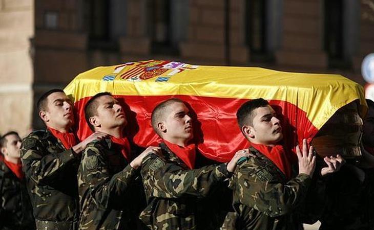 Alejandre expresa su admiración y recuerda la memoria de todos los militares caídos