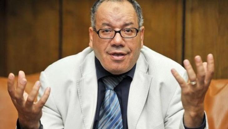El abogado cree que por el simple hecho de llevar unos pantalones rasgados, las mujeres deben ser violadas y acosadas
