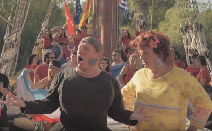 Los Morancos interpretando 'La Pelotera', una parodia de la crisis griega
