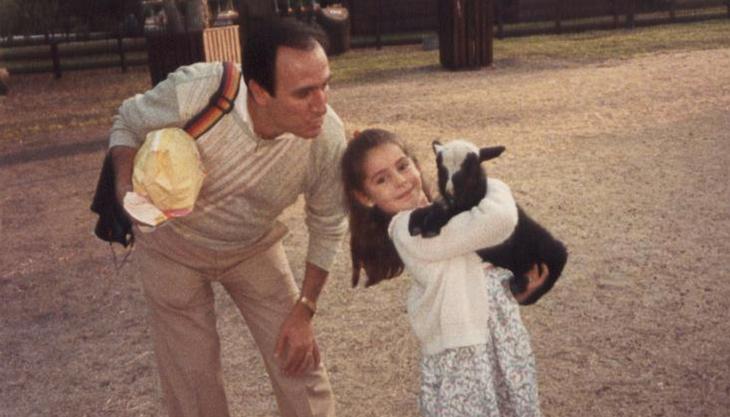 Vanessa ha declarado que su padre le cantaba al amor por encima de todo, no pretendía involucrarse en ideologías