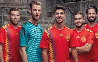 España jugará el Mundial de Rusia en 2018 con una camiseta 'republicana'