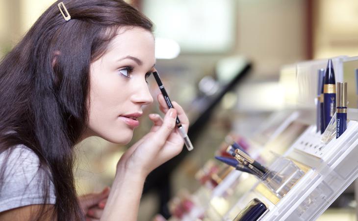 Conviene extremar las precauciones a la hora de emplear un probador de maquillaje