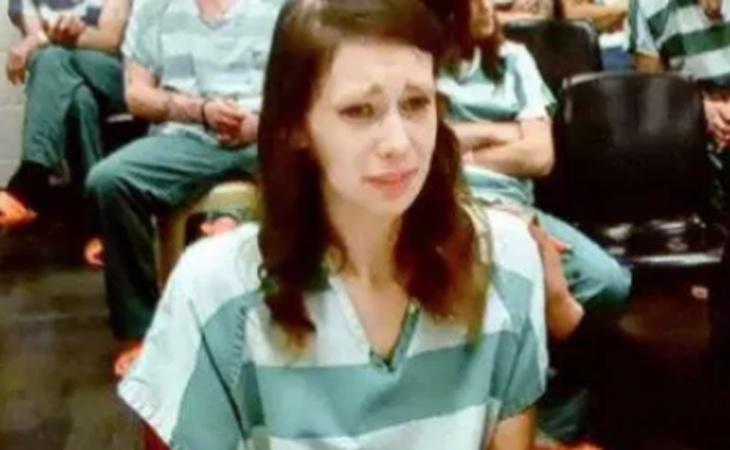 La joven, durante el juicio