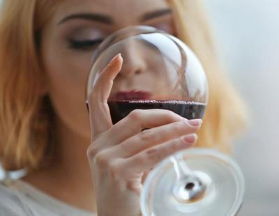 Por qué no deberías probar ni gota de alcohol 10 días después de tener la regla
