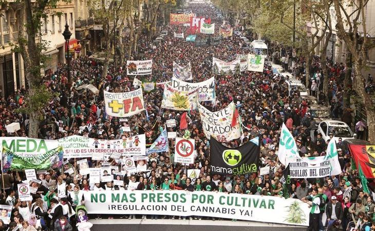 Manifestación a favor de leyes que regulen el consumo y cultivo del cannabis