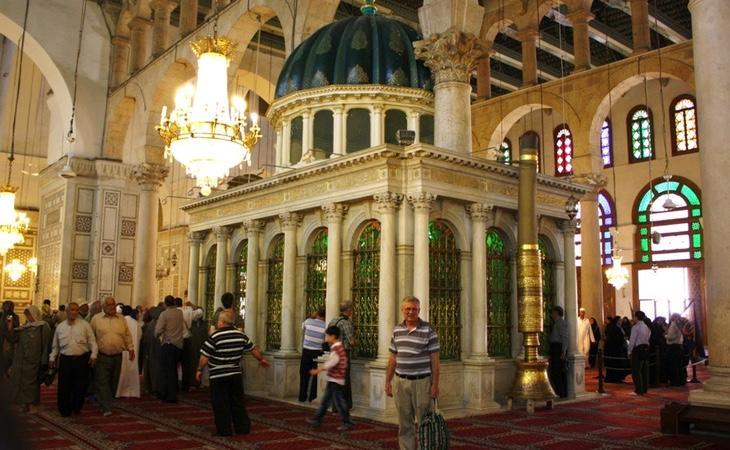 La mezquita de los Omeyas (con la tumba de San Juan Bautista en su interior) se encuentra en serio riesgo de desaparición