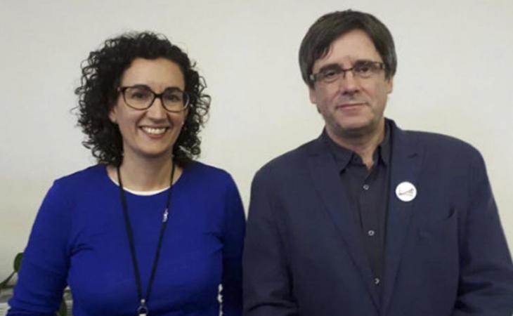 Carles Puigdemont junto a Marta Roviera el pasado martes 14 en Bruselas