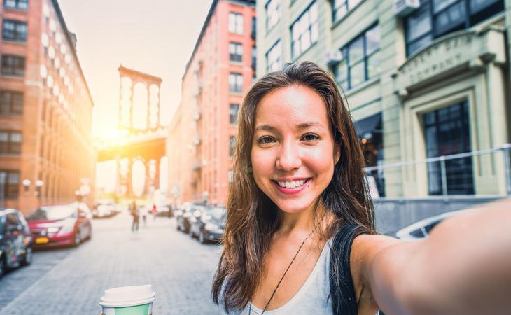 Los selfies te podrían estar generando algo de dinero y tú sin sacarle partido
