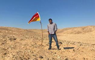 Turista indio proclama su propio reino independiente en un páramo africano sin soberanía