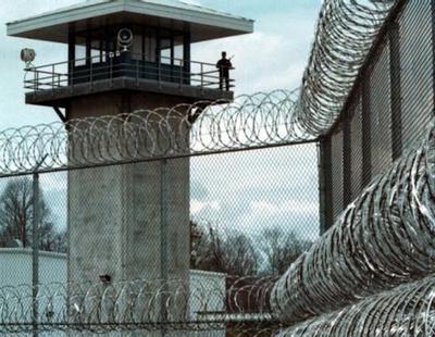 Prisión y orden de alejamiento para un padre que dio una bofetada a su hijo en Jaén