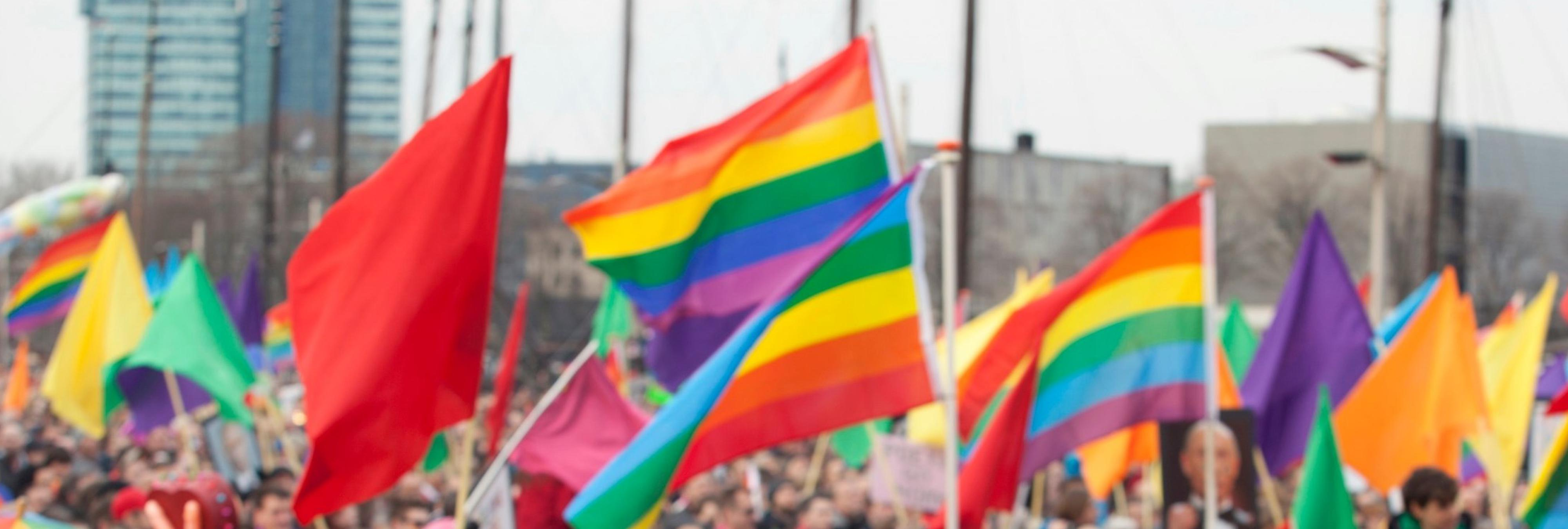 Atacan con ácido y golpean a seis activistas LGTBI en Moscú