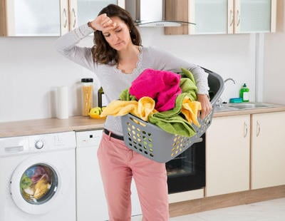 El machismo destapado: la mitad de los europeos creen que la mujer debe estar en casa