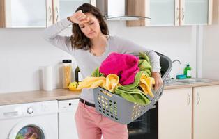 El machismo destapado: la mitad de los europeos cree que la mujer debe estar en casa