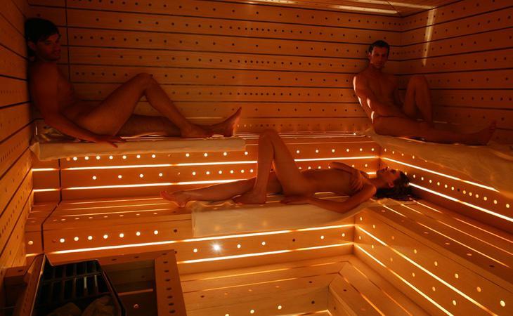 Madrid fue pionera en abrir un spa nudista que cuenta con instalaciones deportivas
