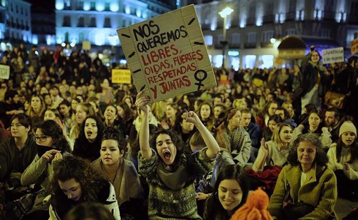 Miles de personas se han manifestado en apoyo a la presunta víctima al grito de La Manada somos nosotras