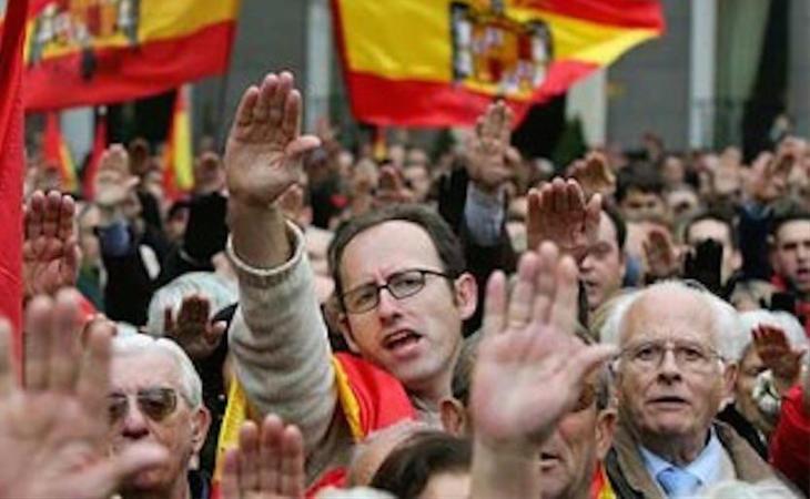 Impunidad de la apología del fascismo en España