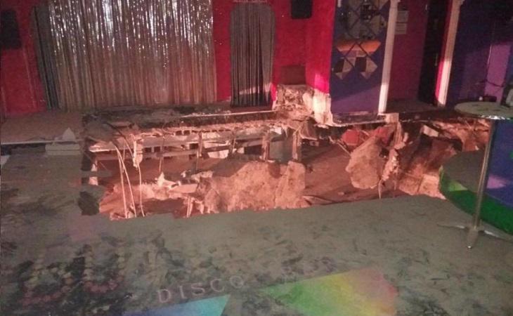 Así ha quedado la discoteca tras ceder parte del suelo