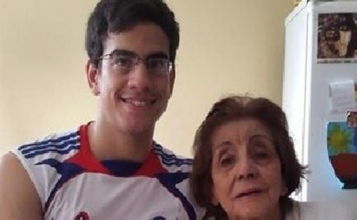 Mauricio Ossola, en compañía de su exmujer y tía abuela, Yolanda Torres