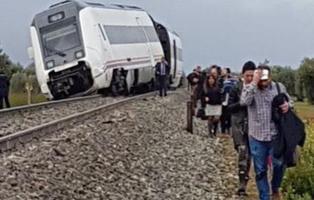 27 heridos tras descarrilar un tren que realizaba el trayecto Sevilla-Málaga