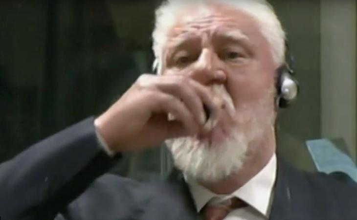 Slobodan Praljak tomó un frasco con veneno tras ser condenado a 20 años de prisión por cometer crímenes de guerra en el conflicto bosnio