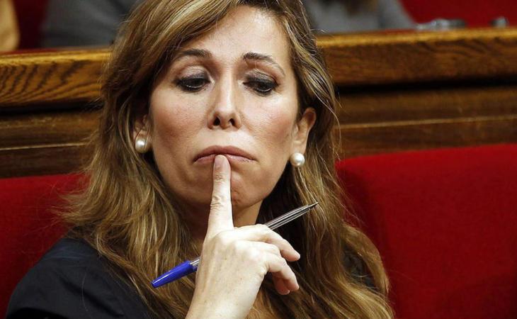Rajoy baraja acabar con el anonimato en las redes sociales tras los ataques que recibió en Twitter la diputada del PP Alicia Sánchez-Camacho