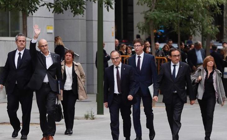 Seis de los siete exconsellers encarcelados quedarán en libertad previo pago de una fianza de 100.000 euros