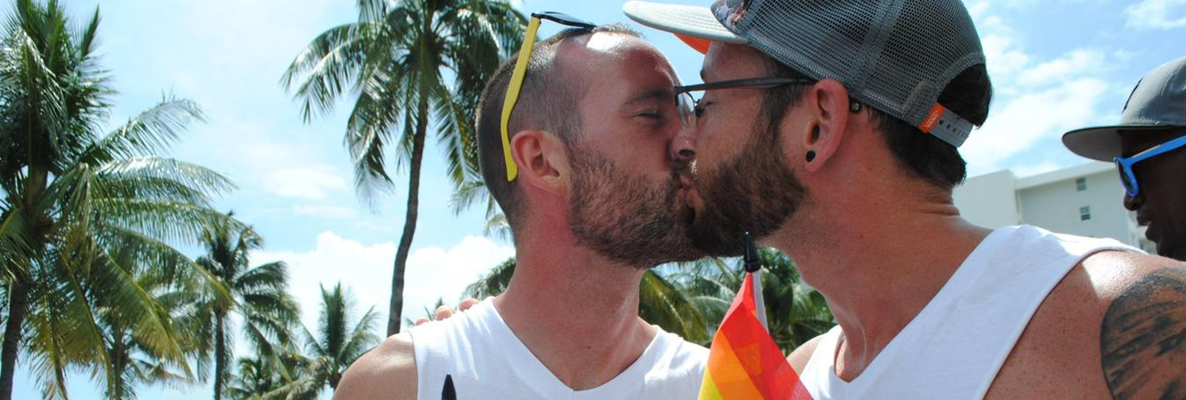 Diputado australiano pide casarse a su novio durante el debate del matrimonio homosexual