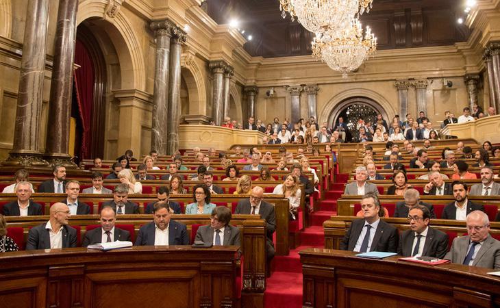 El PDeCAT se hunde en las encuestas al Parlament