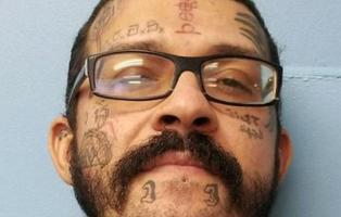 Detienen a un hombre en EEUU tras dibujar una matanza escolar en los deberes de un niño