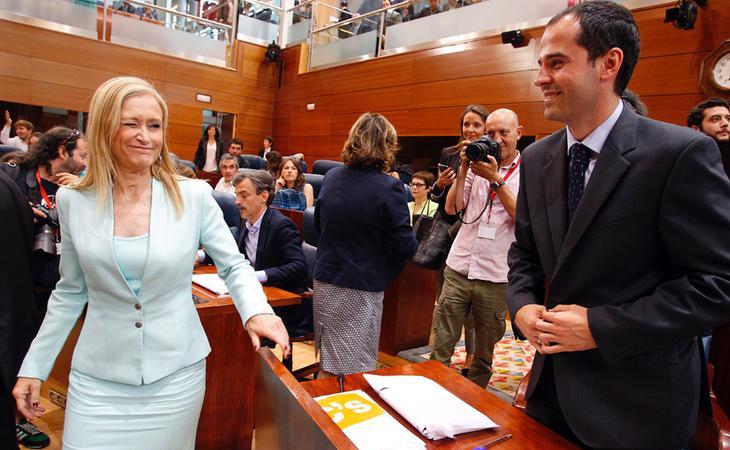Cifuentes (PP) y Aguado (C's) en un pleno de la Asamblea de Madrid