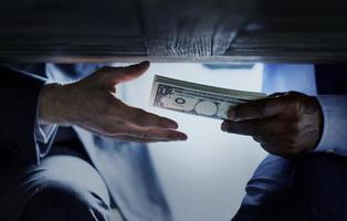 La corrupción política supone el robo de 2.000€ anuales a cada español