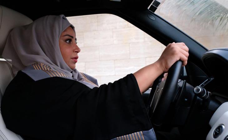 Las mujeres saudíes podrán conducir desde el próximo junio de 2018
