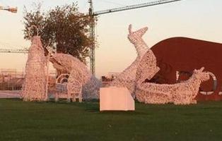 Polémica por un Belén gigante que simula una orgía sexual en Boadilla del Monte (Madrid)