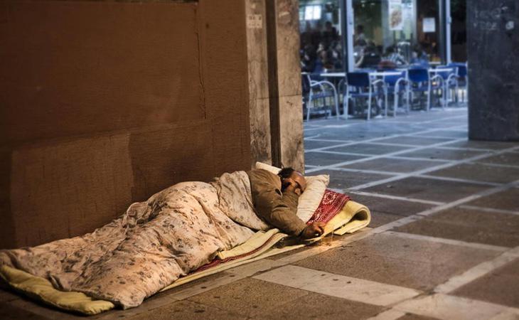 Muchas personas sin techo pasan el invierno en la calle a temperaturas bajo cero