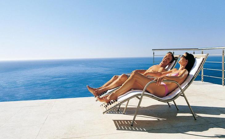 El Sol no sólo afecta cuando nos exponemos directamente en la playa o piscina