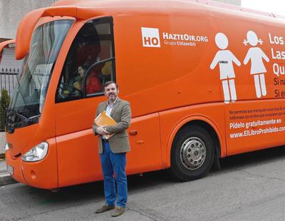 La Generalitat multa a Hazte Oir por la campaña que hizo con su autobús tránsfobo