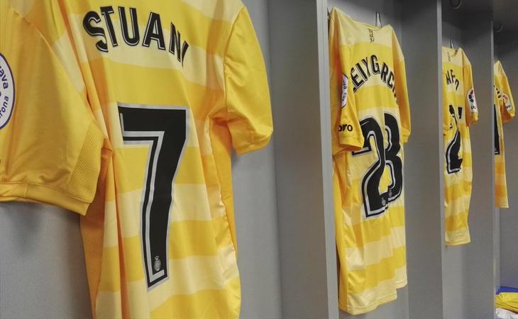 El Girona FC elige su tercera equipación, en amarillo, en apoyo al sector independentista